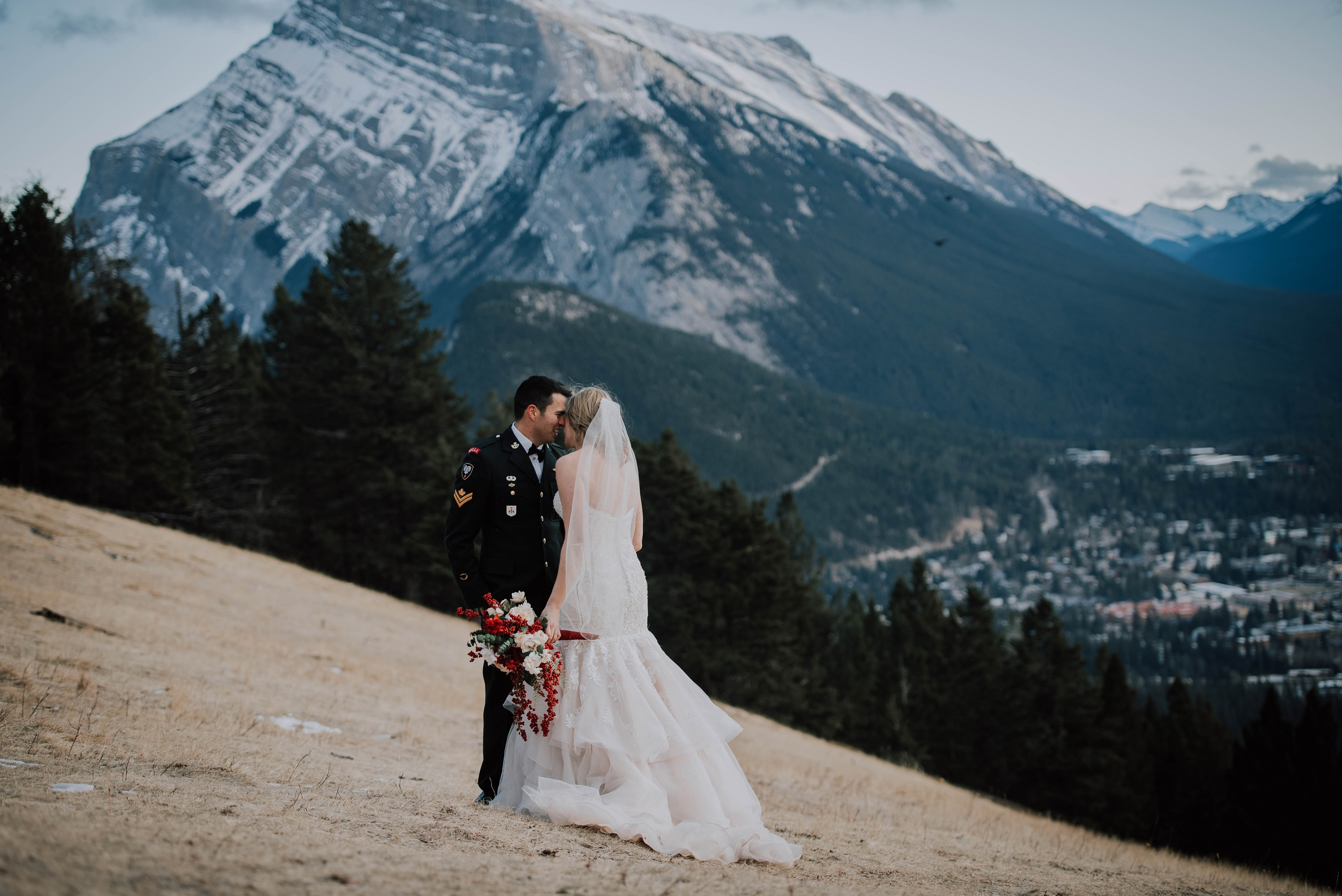 Calgary Wedding Photographer, Banff Wedding Photographer, Top Wedding Photographers Calgary, Top Wedding Photographer Banff, Winter Wedding, Mountain Wedding, Mountain Elopement, Banff Elopement Photographer, Destination Wedding Photographer, Norquay Wedding, Norquay Wedding Photographer