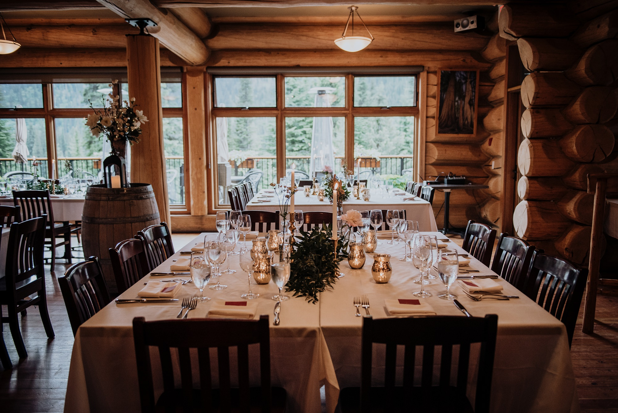 classic and modern decor in romantic mountain wedding at island lake lodge