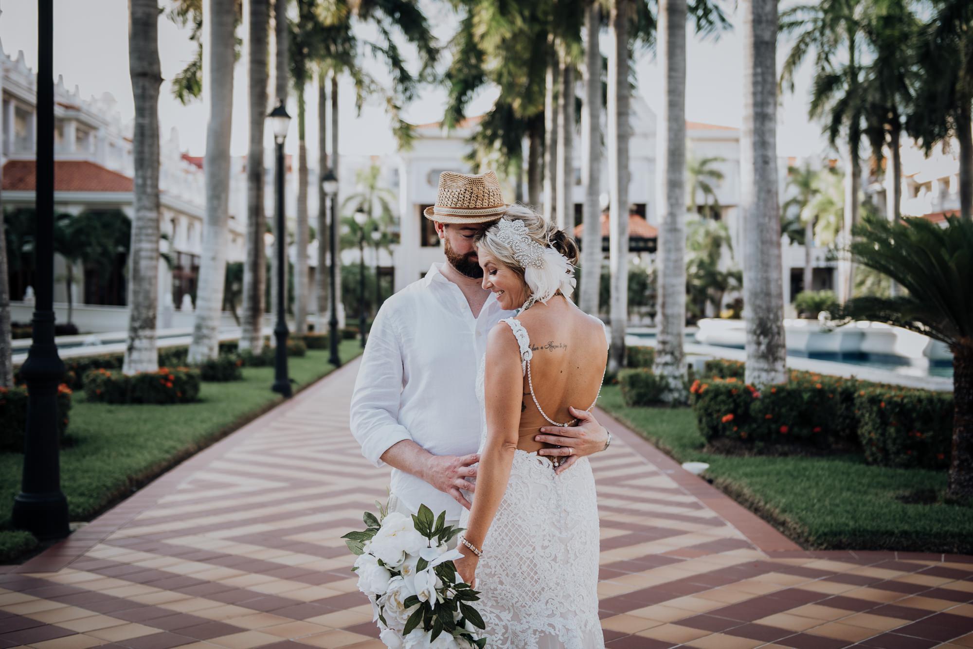 bride and groom at mexico hotel Riu Palace Riviera Maya wedding