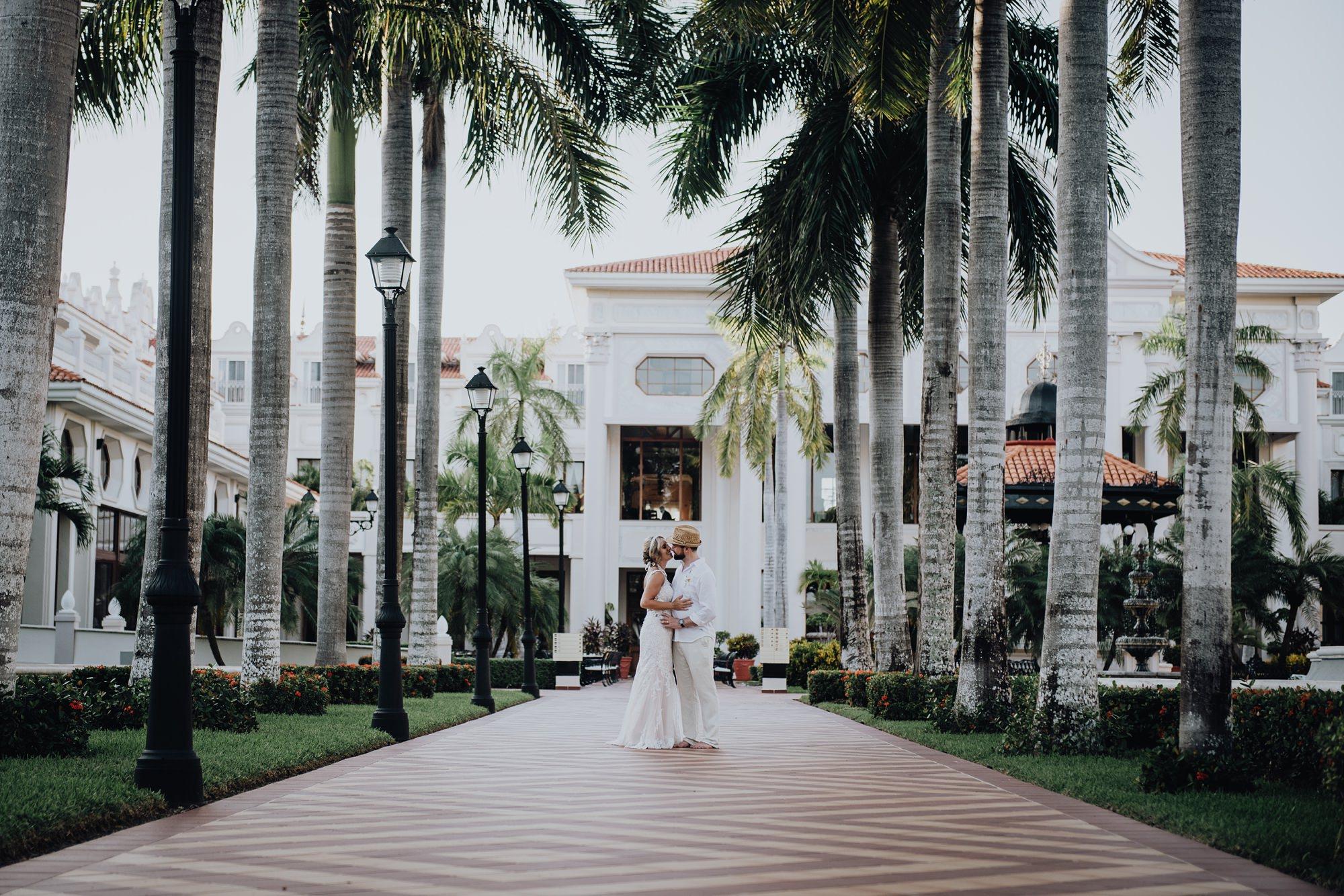 bride and groom at Riu Palace Riviera Maya wedding